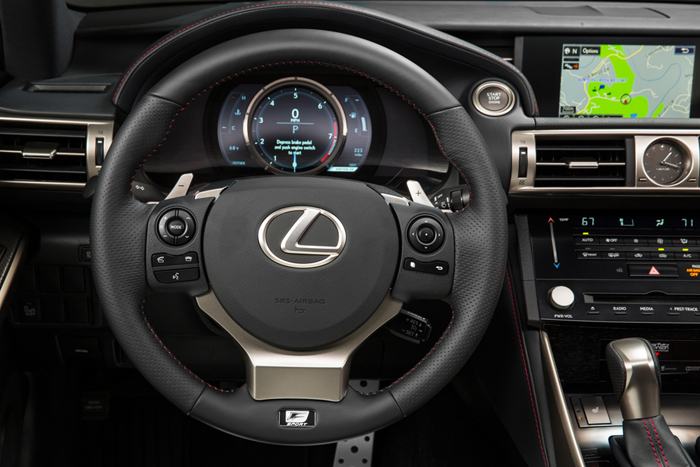 Lexus IS 300H incorpora servicios de Google
