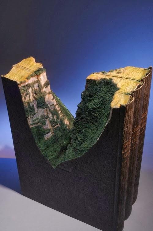 15-Guy-Laramee-Book-Sculptures-Encyclopedias-Dictionaries-www-designstack-co