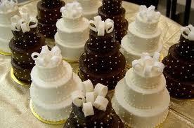 mini tiered wedding cakes