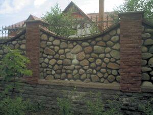Каменный забор. Фото 23