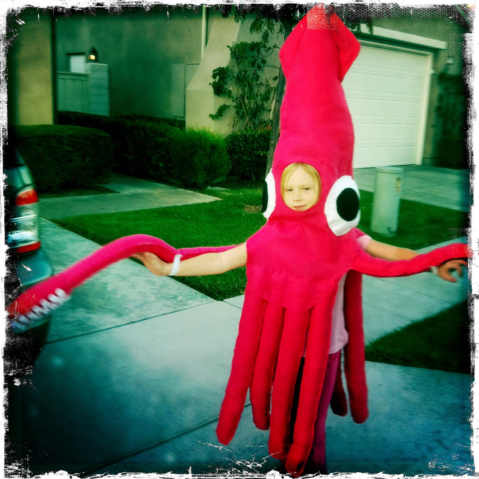 The Chronicles of The Feaseys  sc 1 st  The Chronicles of The Feaseys & The Chronicles of The Feaseys: GIANT SQUID HALLOWEEN COSTUME