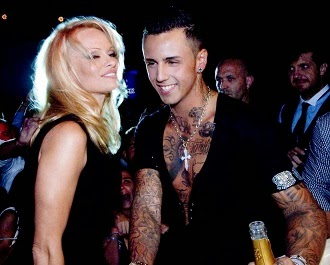 Lorenzo Carvalho pober com Pamela