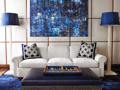 chinese line pattern and modern abstract painting makes a beautiful room scheme