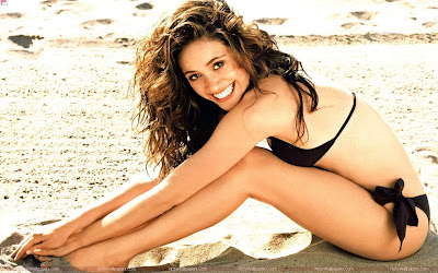 Hollywood Actress Emmy Rossum Hot Photo Shoot