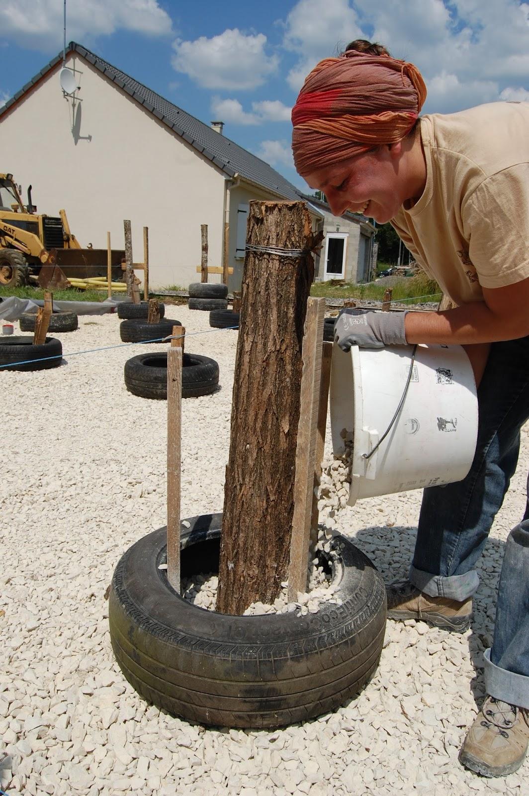 2013 une ann e entre paillenth se fondations sur pneus technique amazonails. Black Bedroom Furniture Sets. Home Design Ideas