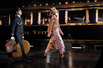 Louis Vuitton : October 2012