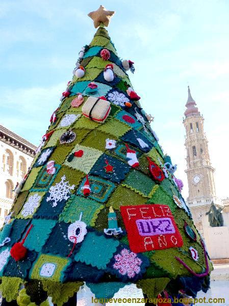 Lo que veo en zaragoza - Arbol de navidad diferente ...