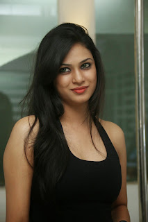 Zara Shah looks cute in black tank top spicy pics