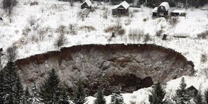 Lagi, Lubang 'Neraka' Misterius Muncul di Rusia