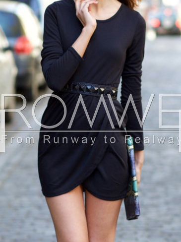 http://es.romwe.com/Black-Round-Neck-Bodycon-Dress-p-138870-cat-664.html?utm_source=simply2wear.com&utm_medium=blogger&url_from=simply2wear
