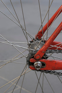 Austral, bike, bicycle, the biketorialist, biketorialist, single speed, fixed speed, fixie, Melbourne, Victoria, Australia, swanston Rd, red, frame, velocity , tim macauley, timothy macauley, drop out, dropout, chain, cog