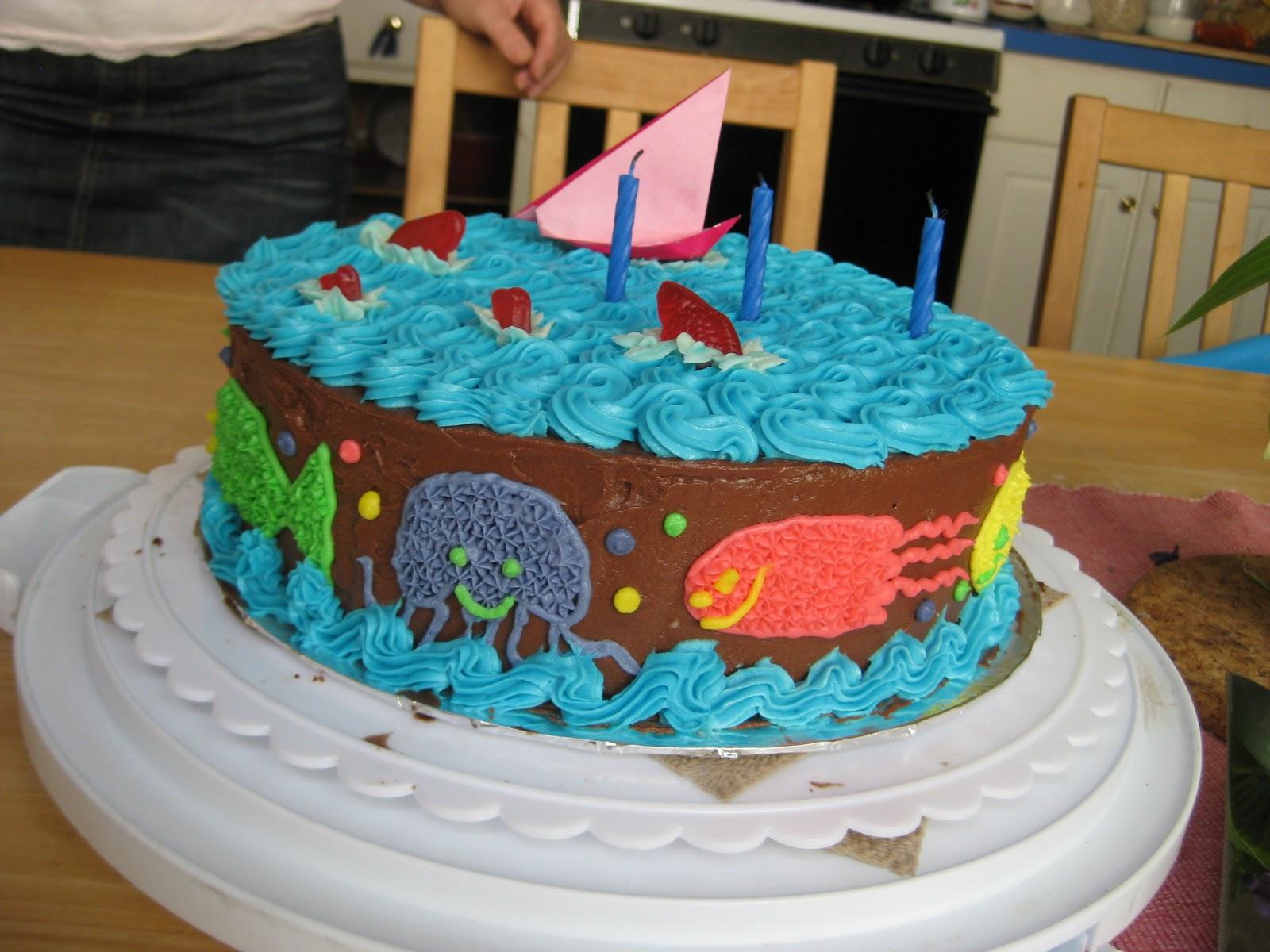 Birthday Cake For Little Sister ~ Cirsia fortuita: fishy birthday cake