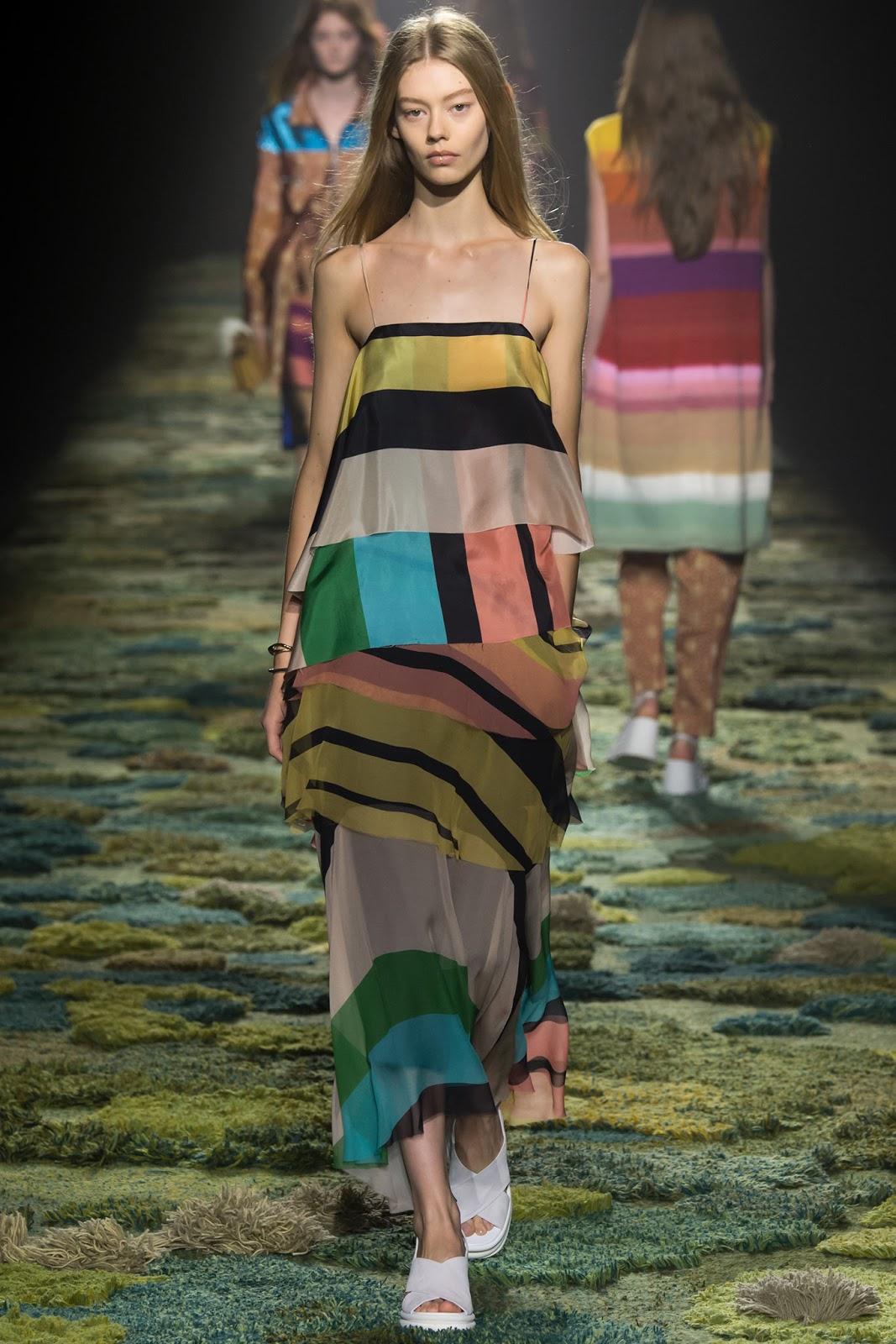 cc 39 s lifestyle paris fashion week dries van noten spring summer 2015. Black Bedroom Furniture Sets. Home Design Ideas