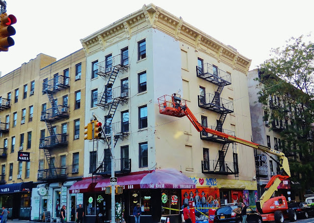 Street Art By British Artist Stik In New York City, USA. 5