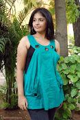 Actress Anjali New Photos, Anjali hot photoshoot stills-thumbnail-1