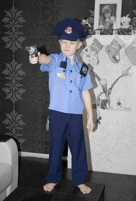Как сшить костюм полицейского для мальчика своими руками 79