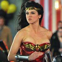 Adrianne Palicki Wonder Woman, piloto inétido