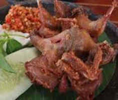 Resep masakan indonesia burung puyuh goreng spesial (istimewa) praktis mudah nikmat, enak, gurih