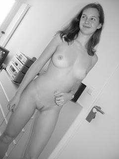 性感的成人图片 - rs-02222-760323.jpg