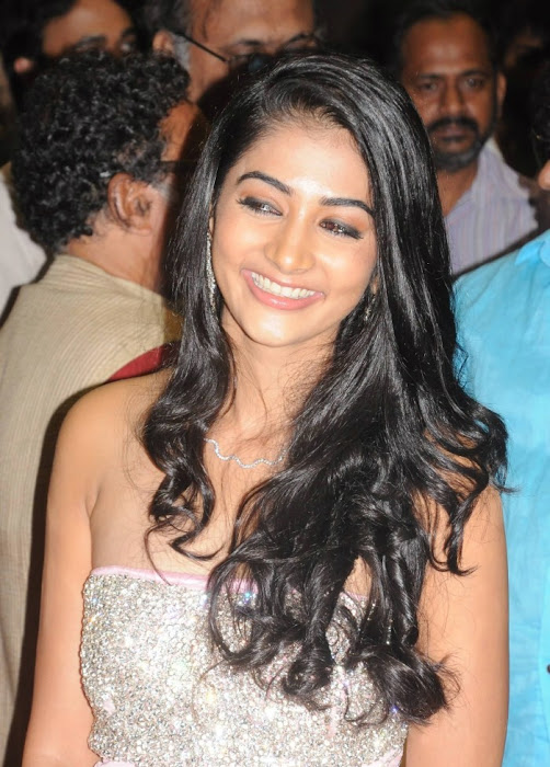 mugamoodi pooja hegde at movie launch hot images