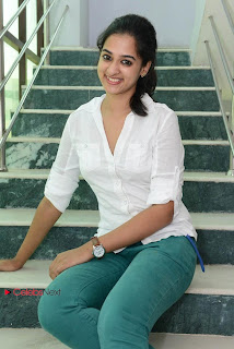 Nanditha Latest Picture Gallery in Green Skinny Jeans  0013