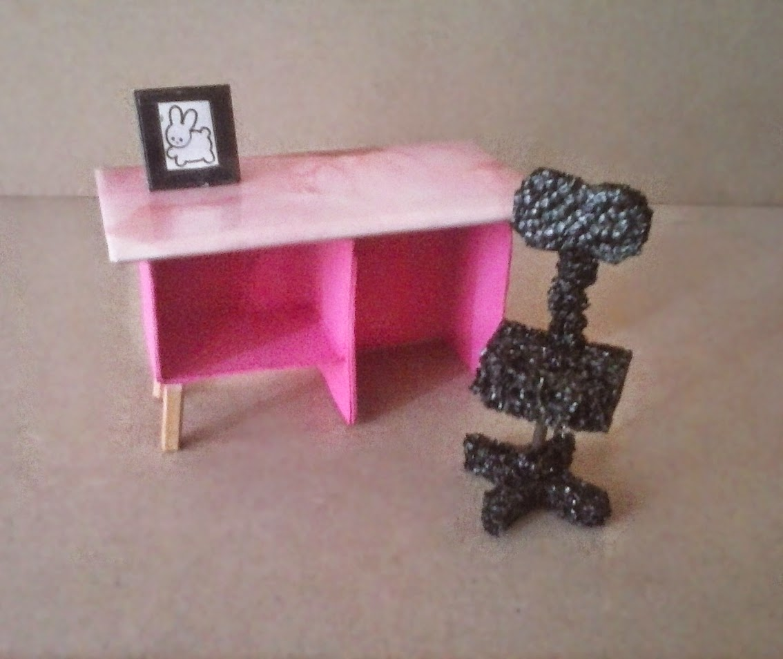 Escritorio dollhouse muñecas DIY