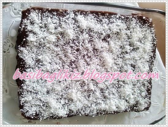 bisküvili yaş pasta,yaş pasta,kakaolu pasta,kolay yaş pasta,tesettür,