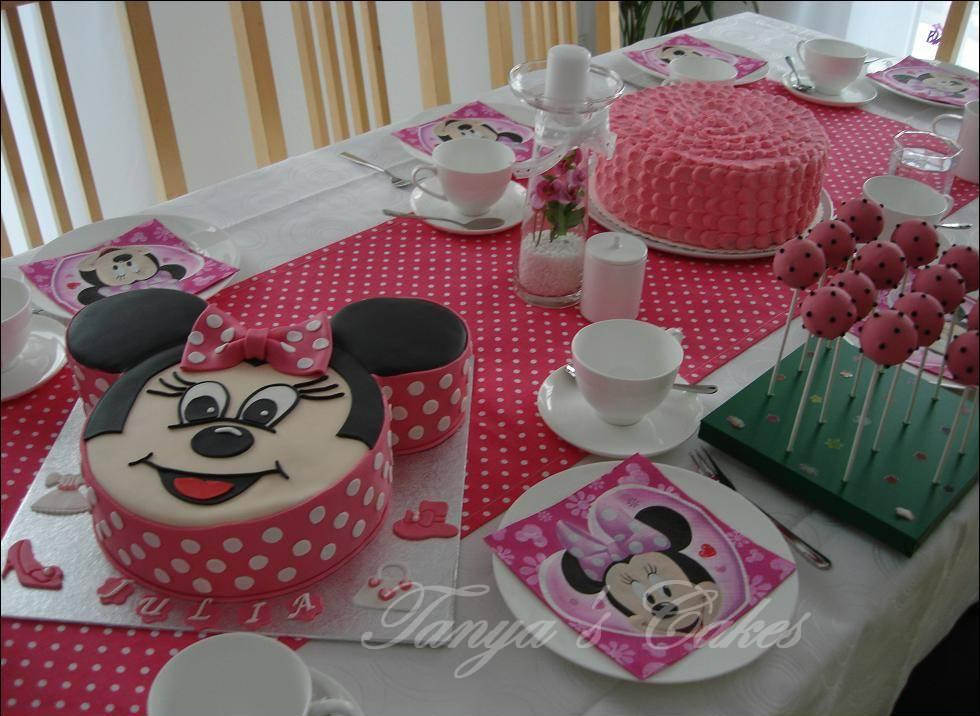 tanya 39 s cakes minnie mouse birthday cake. Black Bedroom Furniture Sets. Home Design Ideas