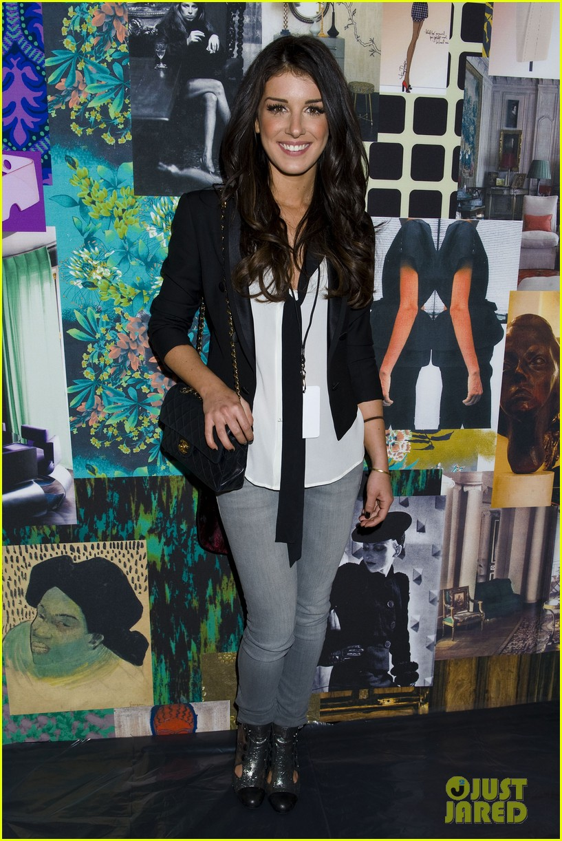 Shenae Grimes   Look Casual