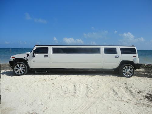 Hummer limo Cancun Riviera Maya