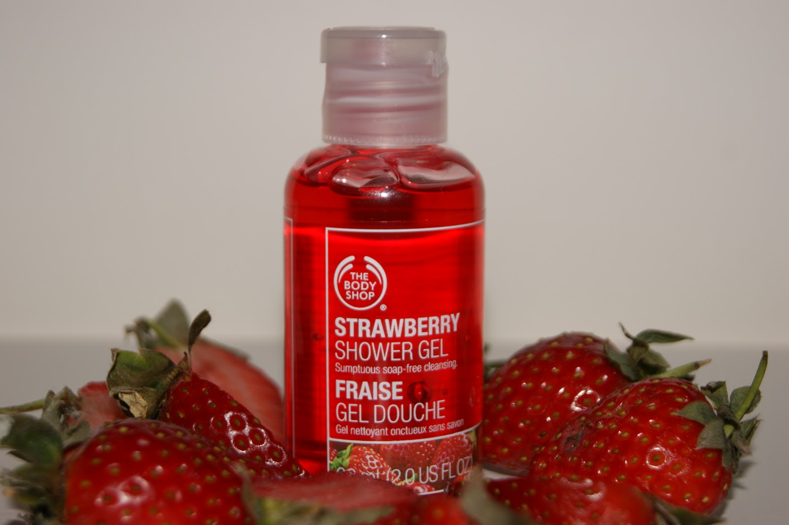 The Body Shop Strawberry Shower Gel Review | The Sunday Girl