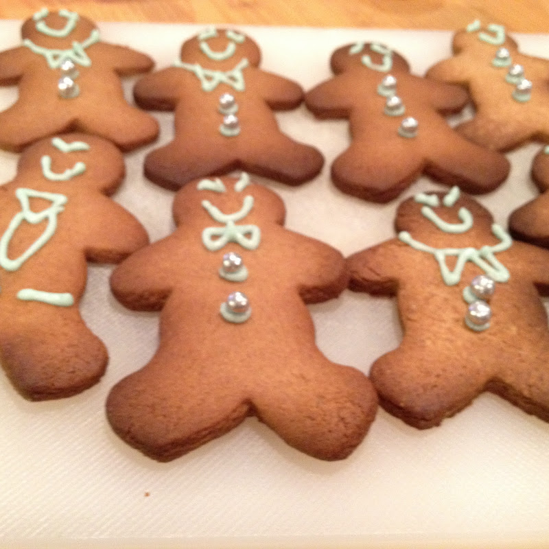 christmas // a gingerbread, erm, love story Posted by Helena title=