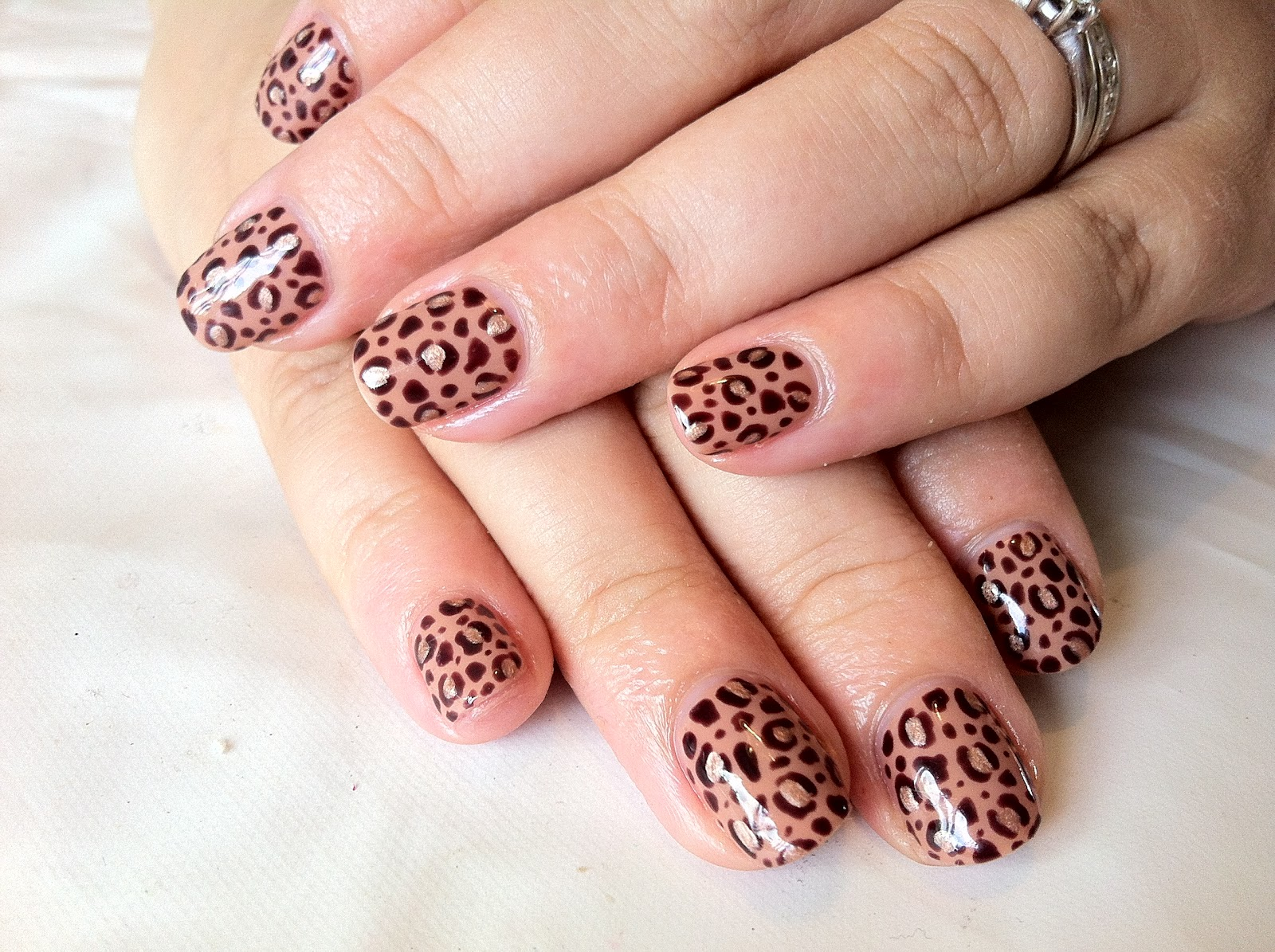 Brush up and Polish up!: CND Shellac Nail Art - Leopard Print in Cocoa