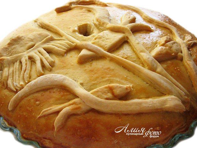 Пирог с рыбой и квашеной капустой