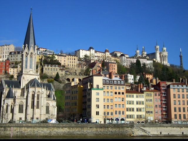 Vieux Lyon, Theft
