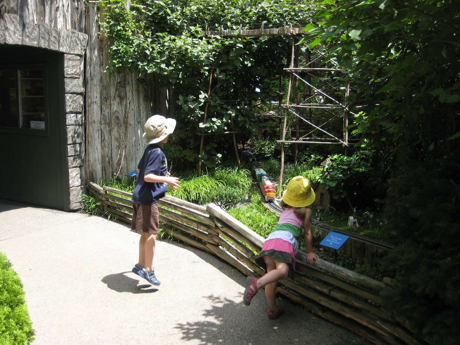Railroad Kids A Visit To The Model Railroad Garden At The