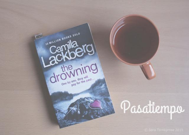 Leer libros - Camila Lackberg - Tea and books