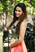 Sanjana singh glamorous photos-thumbnail-19