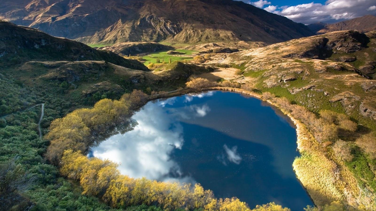 Imagenes del agua en la naturaleza imagen estanque azul for Estanque de agua