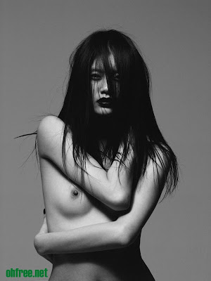 Ming+Xi+Naked+for+Vs.+Magazine+by+ohfree.net+06 Ming Xi Naked for Vs. Magazine