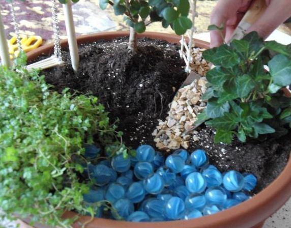 Como hacer un jard n en una maceta cositasconmesh - Como hacer un jardin bonito ...