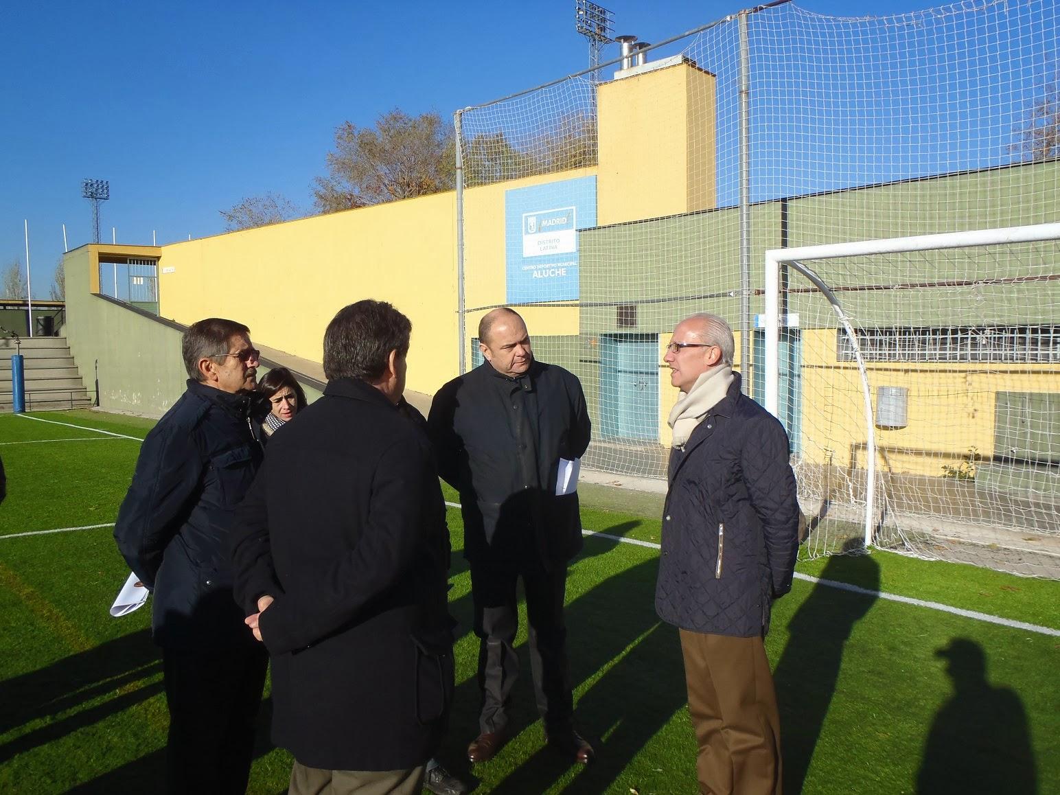 El centro deportivo municipal de aluche renueva sus for Piscina municipal aluche