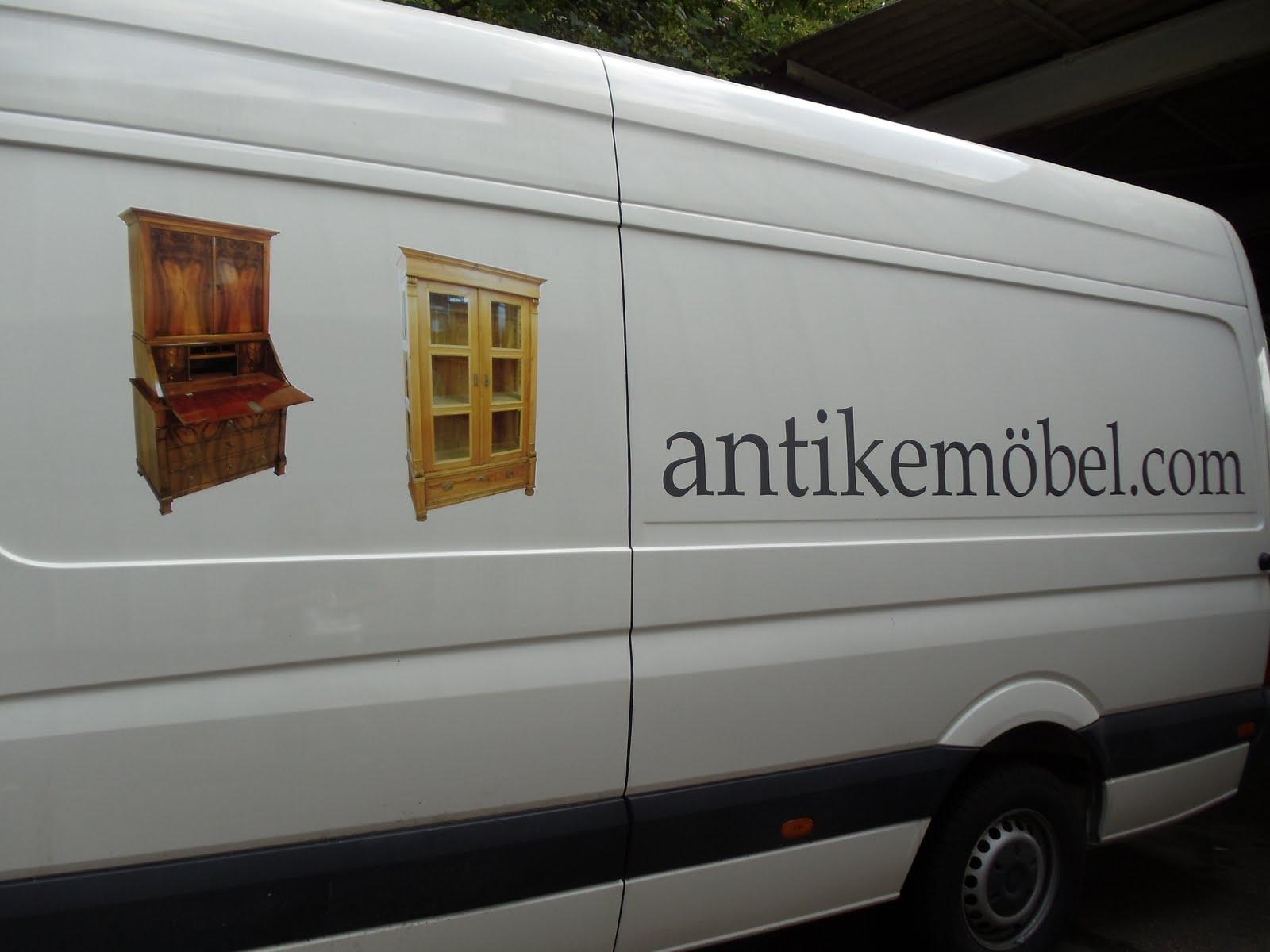 antike m bel der neue bus ist beschriftet. Black Bedroom Furniture Sets. Home Design Ideas