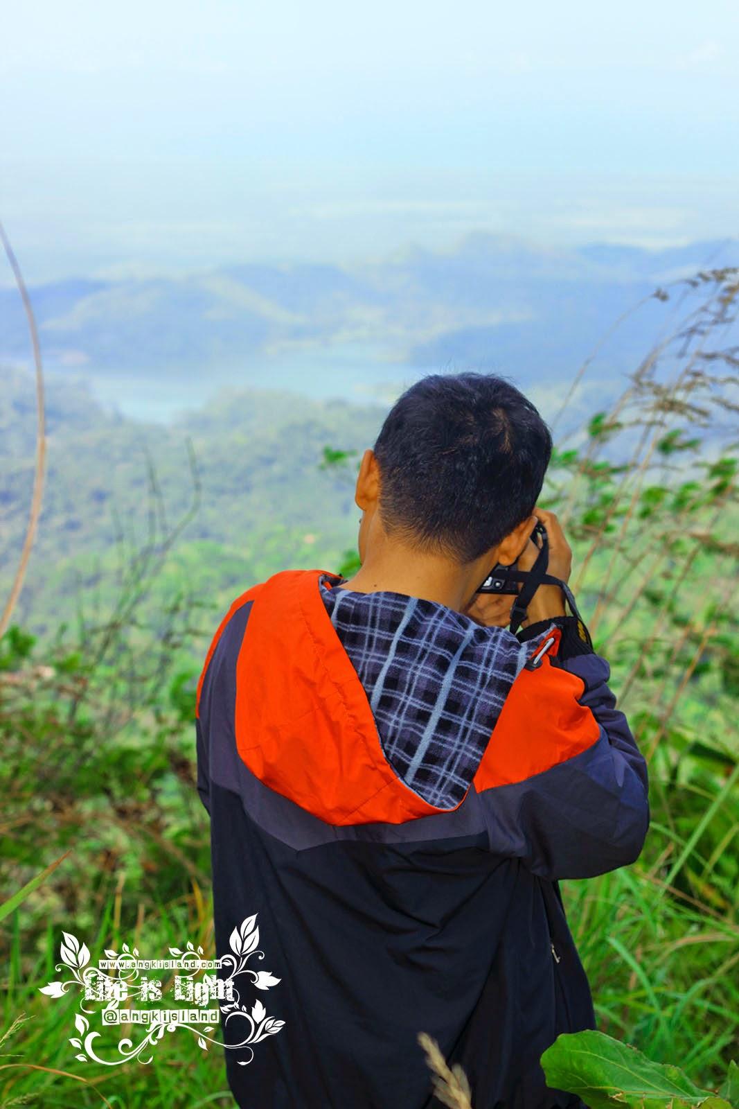 Fotografer Gunung Kelir Negeri di atas Awannya Jogja