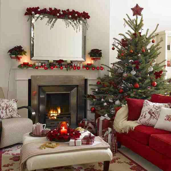 Przystrojony świątecznie salon