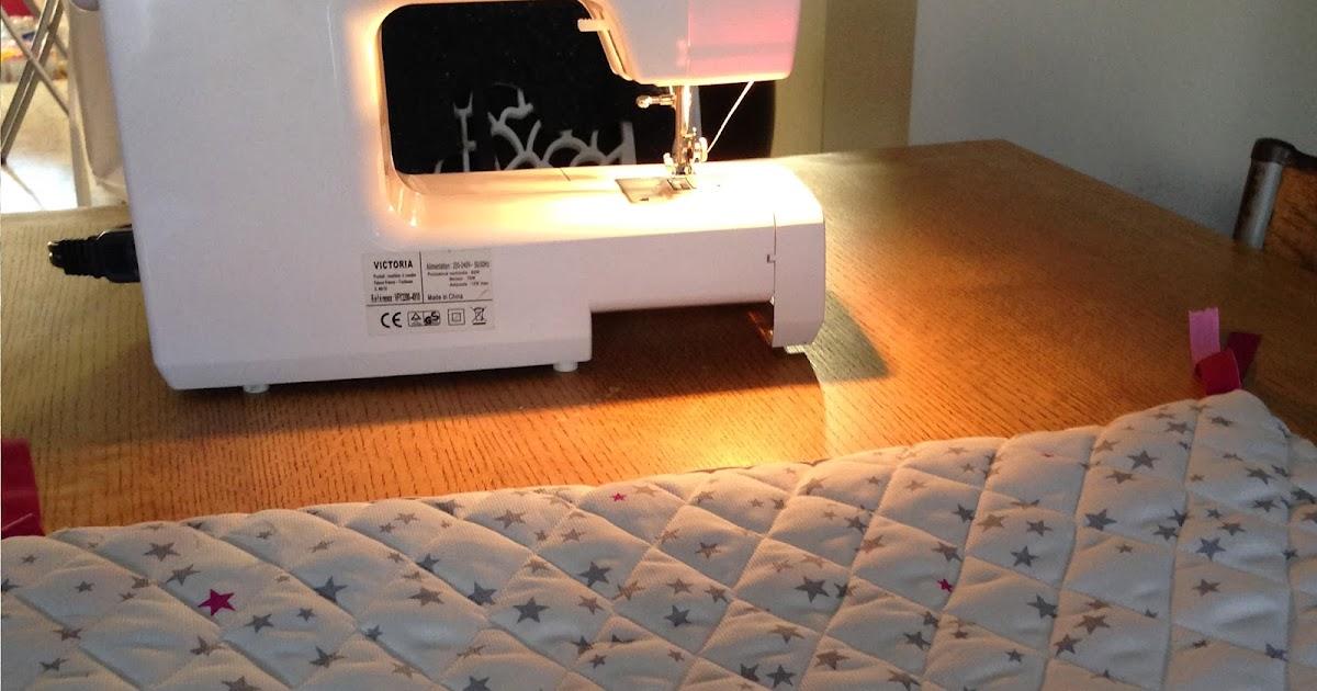 et un tour de lit pour charlie jolie crochetons nous dans les bois. Black Bedroom Furniture Sets. Home Design Ideas