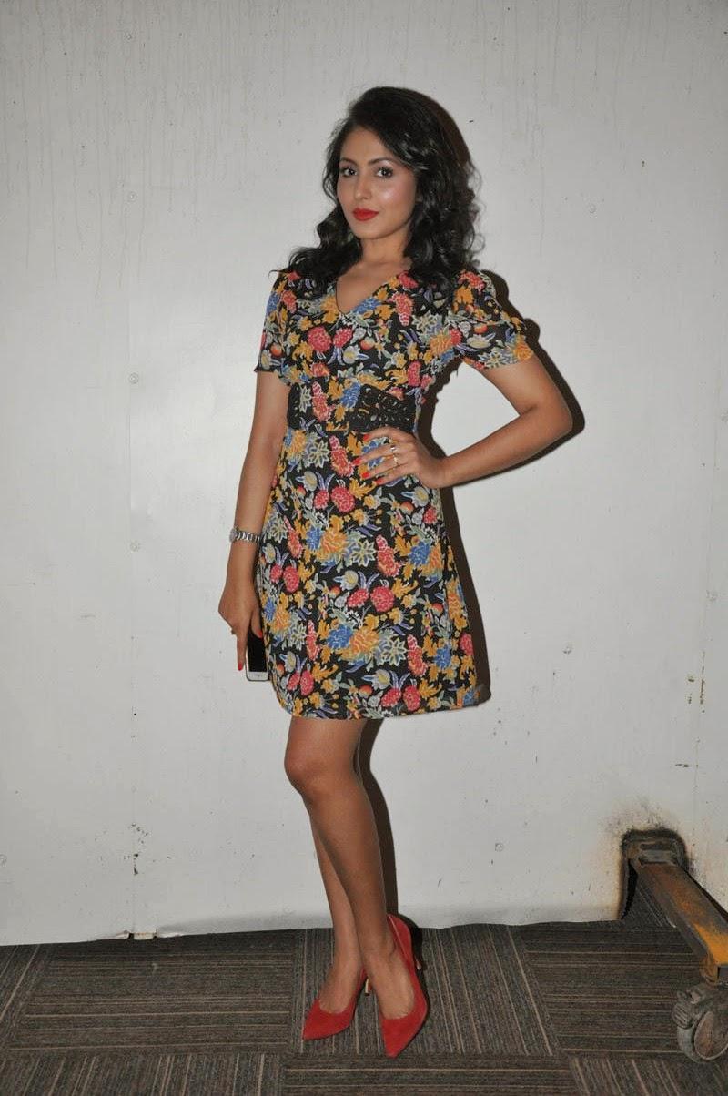 madhu shalini new glam pics-HQ-Photo-7