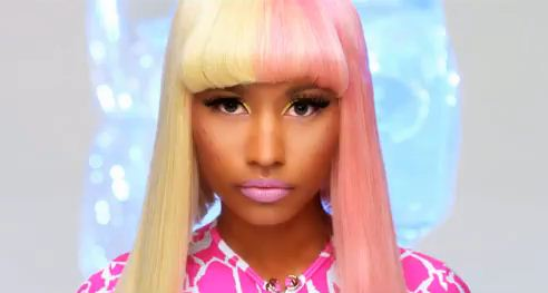 nicki minaj super bass pictures. Nicki Minaj - Super Bass