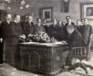 Tratado de París de 1898 que marca el final del imperio español