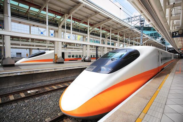 Tàu điện Nhật Bản